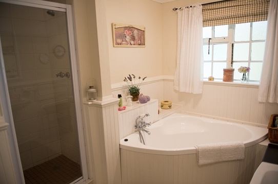 Bathroom, King Room
